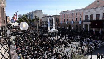 """L'omelia del Papa a Bari: """"Il Signore chiede l'estremismo della carità"""""""