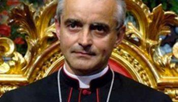 L'omicidio di Avellino, il vescovo Mons. Arturo Aiello alla città: «Quel sangue ci interroga»