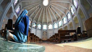 """Corpus Domini: la voglia di pregare davanti ad un """"pezzo di pane"""""""