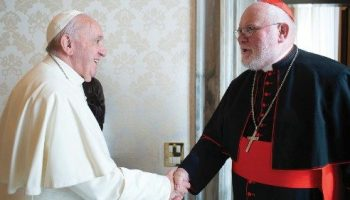 La vergogna guaritrice che apre le porte alla compassione: lettera del Papa al Card Marx invitandolo a ritirare le dimissioni e che accetta, commosso dalle parole di Papa Francesco…
